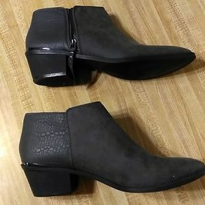 Simply Vera Wang Ankle Booties Charcoal Gray 10